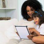 پدر و مادرها گوشی های هوشمند را کنار بگذارید