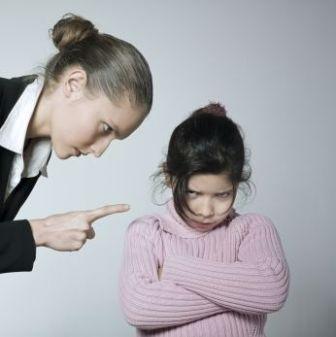 ۹ نکته درباره نه گفتن به کودکتان