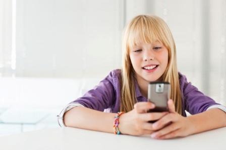 چه زمانی برای فرزندم تلفن همراه بخرم؟