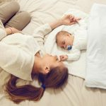 سلامت خواب نوزاد و کودک نوپا