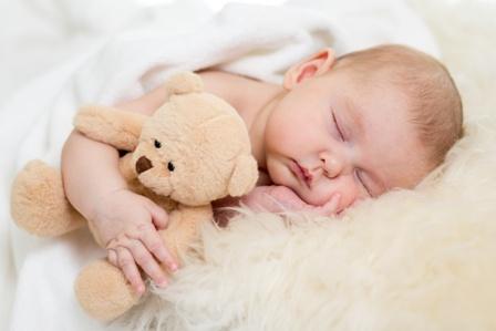 تنظیم خواب روزانه نوزادان و نوپایان