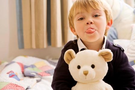 مشکلات رفتاری معمول کودک پنج ساله و راه حل های آن