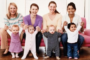 یادگیری و بازی کردن کودک ۱ تا ۲ سال