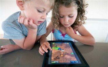 وابستگی کودکان به تبلت و سایر لوازم الکترونیکی