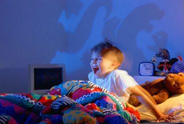 مقابله با کابوسهای شبانه کودکان