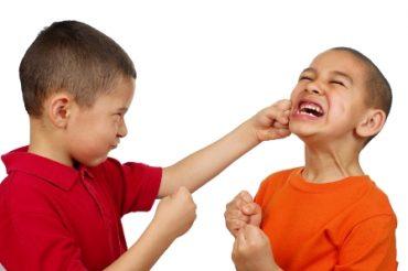 سه روش برای توقف کتک کاری در کودکان
