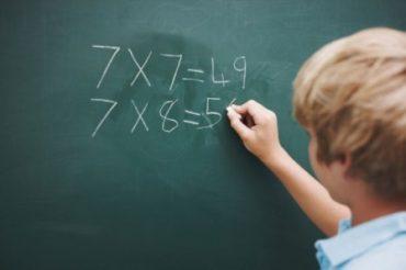 تشخیص اولیه مشکلات ریاضی در کودک