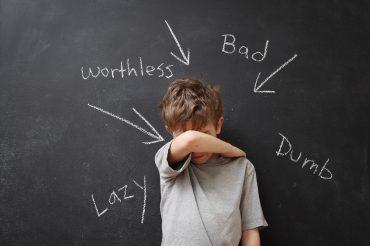 علل افسردگی دوران کودکی