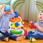 رشد حرکتی و شناختی کودک دو ساله