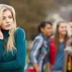 احساس حقارت و خودکم بینی در نوجوانان