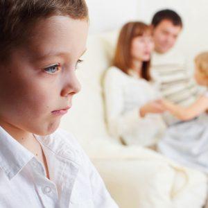 علل ایجاد حسادت در کودکان از نظر روانشناسی و حسادت کودک به مادر و پدر