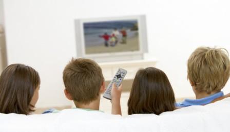 ایجاد عادات مناسب تلویزیون دیدن در کودکان