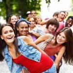 دوستی ها و روابط نوجوانان با همسالان