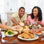 اهیمت حضور کودکان و خانواده هنگام غذا خوردن