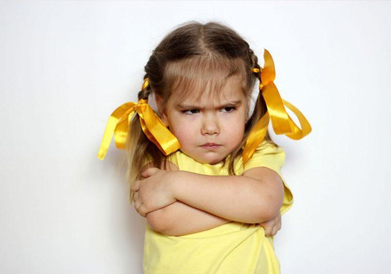 با کودک لجباز چگونه برخورد کنم؟
