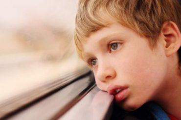 آشنایی با ویژگی های کودک اوتیسم