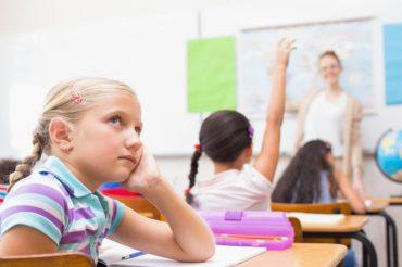پنج نکته برای پرورش کودک حواس پرت: فرزندپروری کودک با مشکل تمرکز
