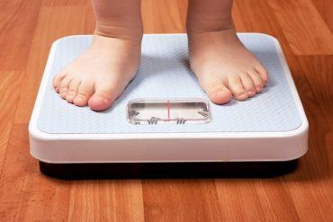 چاقی و وزن مناسب در کودکان