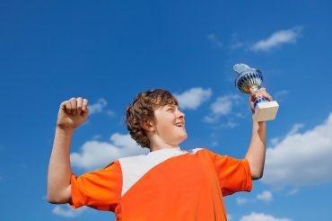 چگونه عزت نفس فرزند خود را افزایش دهیم؟