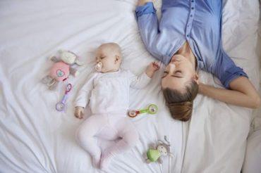 نقش والدین در میزان خواب کودک
