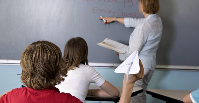 درمان بیش فعالی و نقص توجه در نوجوانان