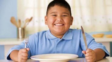 مشکل چاقی در کودکان