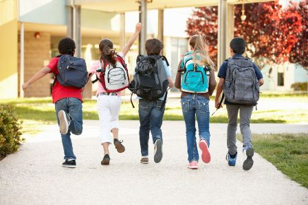 مدیریت رفتارهای پرخطر نوجوانان